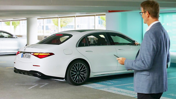 Mercedes S-Class (2021) Automated Parking