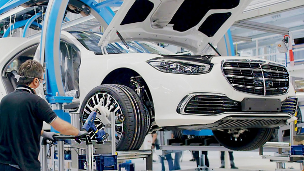 Mercedes S-Class (2021) PRODUCTION – The Most Modern Car Factory in the World