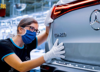 Mercedes-Benz EQA (2021) PRODUCTION – German Electric Car Factory